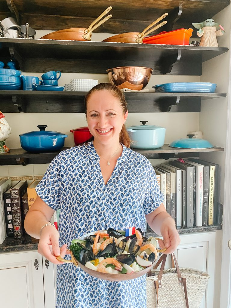 Le chef's wife in her kitchen with Grand Aioli